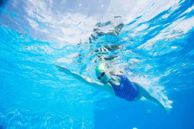 現役スイマーの私がサーフィンのオフトレに水泳を推奨する理由とは